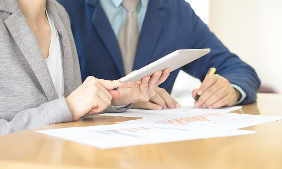 What is the Difference Between a Controller and Comptroller?